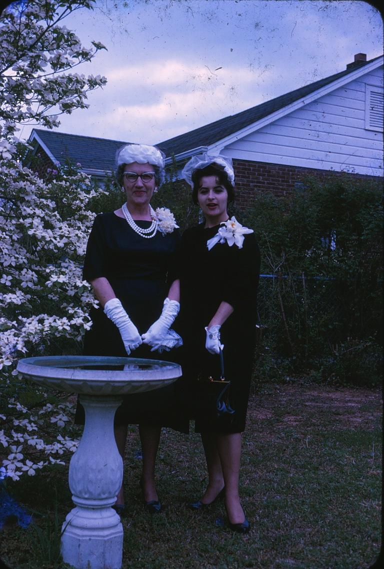Mom Gma Easter Hats Backyd